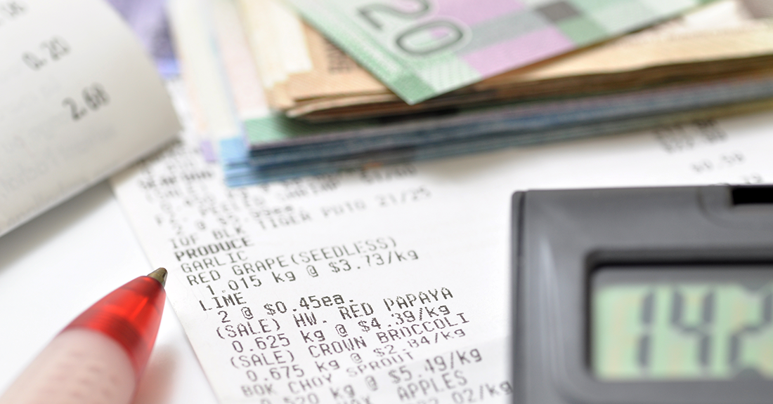 7 Shopping Tips to Reduce Your Grocery Bill Calculate Image